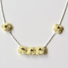 Hand Crocheted Flower Necklace - Ivory