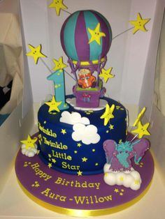 """Super Momma Kerry Maddocks wrote and shared this amazing cake for her daughter """"Aura-Wllow's 1st Bday, WHOA!!!: """"Hi there, we live in the UK, but our baby girl loves your Twinkle Twinkle Little Star video. We had this cake made for her 1st birthday. Hope you like it !! Feel free to share the picture!"""" - we LOVE it!! #GBbirthday Birthday Star, Baby Girl Birthday, Birthday Gifts, Happy Birthday, Birthday Parties, Birthday Ideas, Birthday Cakes, Belly Cakes, Twinkle Twinkle Little Star"""
