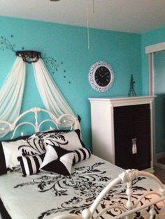 chic floral black and white bedding