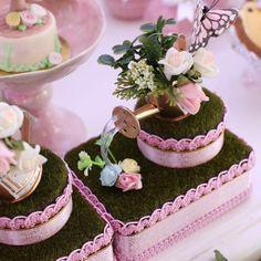 23rd Birthday, Birthday Cake, Maria Valentina, Kid Party Favors, Mad Hatter Tea, Alice, First Birthdays, Tea Party, Diy