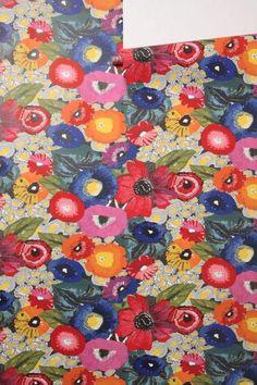 Anthropologie Blazing Poppies Colorful Flower Garden Wallpaper