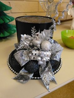 My Christmas coffee can hat. by geraldine My Christmas coffee can hat. by geraldine Christmas Coffee, Winter Christmas, All Things Christmas, Christmas Holidays, Christmas Wreaths, Christmas Ornaments, Christmas Snowman, Christmas Projects, Holiday Crafts