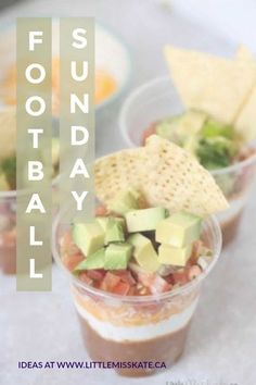 Individual Layered Nacho Dip Individual Layered Nacho Dip,Super Bowl Party Food Appetizers This Layer Dip Cup Recipe is going to be absolutely perfect for our Super Bowl parties with friends this year. Super Bowl Party, Layered Nacho Dip, Mexican Appetizers, Individual Appetizers, Make Sour Cream, Graduation Food, Party Dip Recipes, Easy Snacks, Healthy Snacks