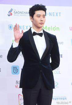 Kim Kwon, what a man. Asian Celebrities, Asian Actors, Korean Actors, Celebs, Cute Asian Guys, Asian Boys, Asian Men, Korean Drama Best, Korean Dramas