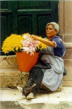 San Miguel flower seller