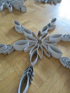 Easy holiday decorations made from toilet paper and paper towel rolls.