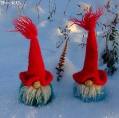 tovet nisse oppskrift - Google Search Gnomes, Needle Felting, Holiday Decor, Holiday Ideas, Scandinavian, Rooster, Scrap, Dolls, Vintage