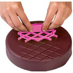Diamond Rhombus Stampo Quilted Cake Decorating Fondant Cutter Icing Embossing Mold #cake #cakedecorating #yummy #fondant #cakedesign #caketools #ad