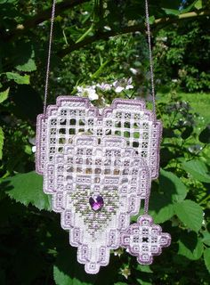 A lavender and white Scissors Case done in drawn thread and hardanger. Embroidery Hearts, Hardanger Embroidery, Needle Case, Needle Book, Bordados E Cia, Drawn Thread, Valentines Day Hearts, Needlepoint, Crochet Earrings