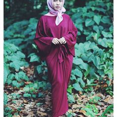 This is my outfit for #eidmubarak, maroon kaftan that i got from onlinw shop at instagram and this comfortable and elegant pink hijab. I love this eid al fitr OOTD ❤