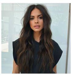 Brown Hair Shades, Brown Hair Colors, Pelo Chocolate, Brown Hair Inspiration, Dark Brunette Hair, Long Brown Hair, Golden Dark Brown Hair, Darkest Brown Hair, Dark Fall Hair