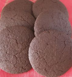 Light and crisp, gluten-free chocolate biscuits made with ground almonds and white rice flour. Chocolate Biscuits, Ground Almonds, Rice Flour, Gluten Free Chocolate, White Rice, Biscuit Recipe, Cookies, Desserts, Recipes