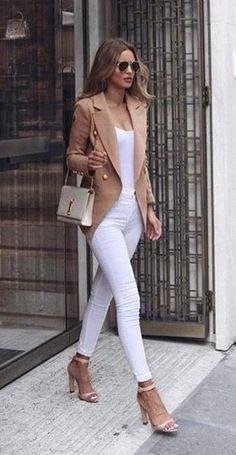White and Nude Fashion Trends Blazer Plus Heels Plus Pocket Plus Top Plus Skinnies - Frauen Mode - Women's Fashion Fashion Mode, Look Fashion, Trendy Fashion, Fashion Trends, Fashion Heels, Ladies Fashion, Blazer Fashion, Fashion Stores, Fashion Websites