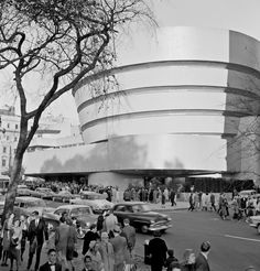 Opening Day of the Solomon R. Guggenheim Museum, October 21, 1959.