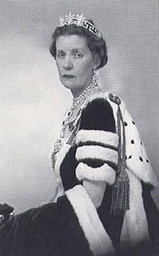 Lady Cynthia Spencer wearing the Spencer Honeysuckle Tiara, United Kingdom (by 1885; diamonds).