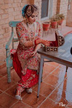 Sikh Bride, Sikh Wedding, Pakistani Bridal Wear, Pakistani Dress Design, Pakistani Dresses, Brides Mom Dress, Wedding Outfits For Groom, Russian Wedding, Bridal Makeover