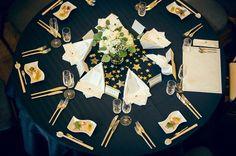 《星・月・夜空e》がテーマ!キラキラ輝く思い出になる「スターウェディング」のアイディア集☆彡 -page2 | Marry Jocee Star Wedding, Fall Wedding, Diy Wedding, Dream Wedding, Blue Wedding Flowers, Wedding Colors, Wedding Table Settings, Wedding Cards, Debut Themes