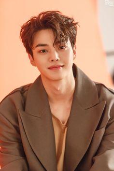 Song Kang is handsome in orange tones for 'GRAZIA' Korea! Song Kang is handsome in orange tones for 'GRAZIA' Korea! Korean Male Actors, Handsome Korean Actors, Korean Celebrities, Asian Actors, Celebs, Sung Kang, Song Kang Ho, Hot Korean Guys, Cute Korean Boys