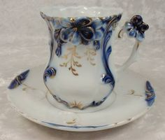 Antique Blue White Demitasse cup and saucer Blue Dishes, Antique Tea Cups, Vintage Dishes, Vintage Teacups, Teapots And Cups, China Tea Cups, My Cup Of Tea, Chocolate Pots, Tea Cup Saucer