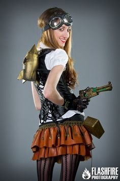 Same Steampunk Beauty, different angle.  (via mhsteampunk)