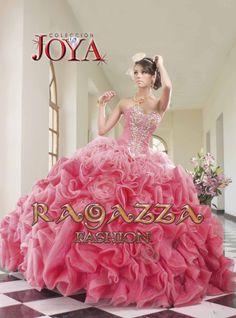 Colección joya  ahora en María's Bridal Shop,  Bakersfield,  California
