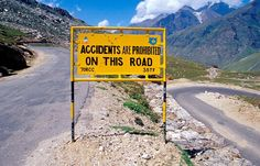 Most Unusual Road Signs of Leh-Manali Highway ~ Damn Cool Pictures Funny Road Signs, Fun Signs, Funny Street Signs, Funny Jokes, Hilarious, Funny Ads, Dad Jokes, Along The Way, Just For Laughs