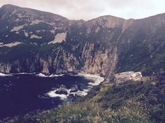 Ireland road trip guide: detailed Ireland Itinerary for 7 days, 10 days or 2 weeks in Ireland with stops at Ireland's most famous sites and Cool Places To Visit, Places To Travel, Travel Destinations, California Destinations, Ireland Vacation, Ireland Travel, European Travel Tips, Vacation Trips, Vacation Ideas