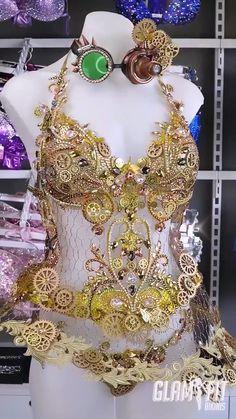 Steam punk clock and Cogs inspired corset. Jolie Lingerie, Cute Lingerie, Clown Costume Women, Steampunk, Carnival Outfits, Kawaii Dress, Ballroom Dance Dresses, Dress Sketches, Belly Dance Costumes