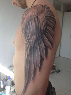 insanely great angel wing on the arm sleeve. optical illusion