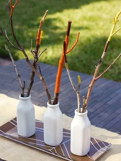 I love the look of this table piece. Also a bonus is that it could be made by the kids. I love table projects that the kids can make to keep them busy on Thanksgiving day. 15 DIY Ideas and Inspiration for a Modern Thanksgiving Table