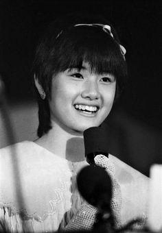 映画「時をかける少女」の製作会見に出席した女優の原田知世(1983年01月08日) Kawaii, Beautiful Actresses, My Girl, Japanese, Celebrities, Model, Collection, Films, Anime Art