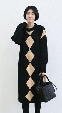 Fashiontroy Smart elegant long sleeves crew neck black zigzag jacquard midi knitted dress