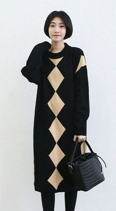 Fashiontroy Smart elegant long sleeves crew neck black zigzag jacquard midi knitted dress