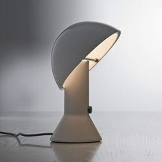 ELMETTO - Lampe à poser Blanc H28cm - Lampe à poser Martinelli Luce designé par Elio Martinelli MARTINELLI LUCE