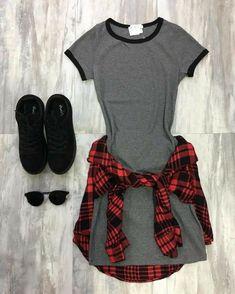 Dress w/ flannels 👌🏻😔👊🏻