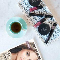 ¡La mañana de domingo perfecta: esenciales de maquillaje, te y nuestra revista favorita!   I #love my #MaryKay www.marykay.com/ypadron5