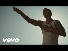 Eminem- Rihanna- love the way you lie- YouTube