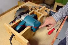 Woodworking Circular Saw Homemade table saw build: Lift mechanism Home Made Table Saw, Diy Table Saw, A Table, Jet Woodworking Tools, Custom Woodworking, Woodworking Crafts, Table Saw Jigs, Table Saw Stand, Table Saw Station