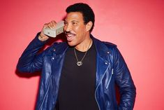 International superstar Lionel Richie today announces his largest ever Belfast show to date at Belsonic in Ormeau Park on Sunday, June Lionel Richie has a discography of albums and singles that are second to none. Music Icon, Pop Music, Big Crowd, Old School Music, Lionel Richie, Music Magazines, Pop Songs, American Idol, Belfast