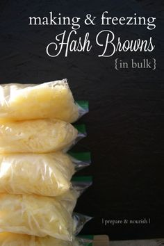 Making & freezing hash browns - perfect solution for easy breakfasts. Cooked and cooled potatoes are also a great source of resistant starch, great for digestion! Freezing Vegetables, Freezing Potatoes, Storing Potatoes, Freezing Onions, Eating Raw Potatoes, Freeze Sweet Potatoes, Canning Potatoes, Dehydrated Vegetables, Frozen Potatoes