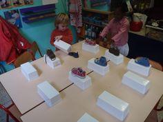 Memory Activity Games, Activities, Clothing Themes, Vans Top, Kindergarten Themes, Saint Nicolas, Spring Nail Colors, School Projects, School Ideas