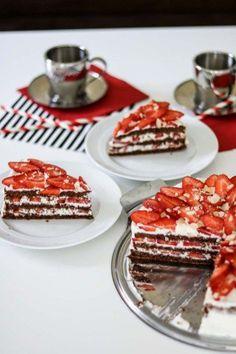 Strawberry Cravings - Super schnelle Erdbeertorte mit Suchtgefahr-12