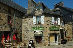 Itinerari cicloturistici in Bretagne: Quimper - Lampaul-Guimiliau Brest, France, Brittany, Centre, Restaurant, Plunge Pool, Homes, Diner Restaurant, Restaurants