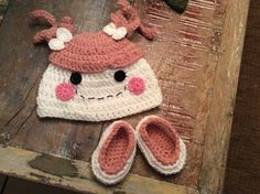 Lalaloopsy hat and shoes, for a newborn girl.