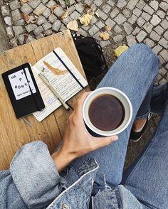 ✨ Aesthetic Coffee, Book Aesthetic, Aesthetic Photo, Aesthetic Pictures, Coffee Time, Coffee Cups, Coffee Break, Coffee Photography, Photography Tips