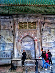 historical fountain / eminonu / istanbul / turkey / photo by koto serdar bulgu