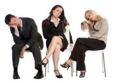 Lichaamstaal is een zeer essentieel onderdeel van de alledaagse communicatie. Iedereen maakt er gebruik van tijdens werk, opleiding en in de vrije tijd. Het is zelfs niet eens mogelijk om met anderen in contact te treden zonder lichaamssignalen af te geven. Lichaamstaal vindt veelal onbewust plaats en wordt vaak even onbewust waargenomen en geïnterpreteerd. www.lichaamstaal.be of www.lichaamstaal.nl en vind een schat aan informatie over non-verbale communicatie. Www.jansentraining.nl.