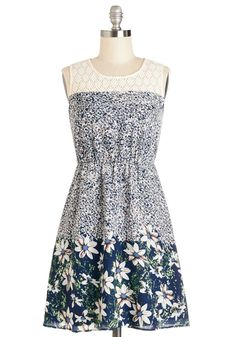 Washington Flair Park Dress. Others may prefer to take in the skyline of the city, but your New York getaway finds you strolling the lush pathways of Washington Square Park in this floral dress! #multi #modcloth