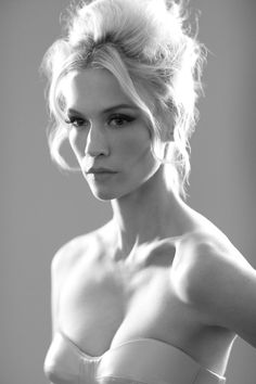 January Jones by Lorenzo Agius. I think this is so stunning. January Jones, Catherine Deneuve, American Women, Beautiful One, Beautiful People, Gorgeous Women, Afro, Black And White Portraits, Famous Faces