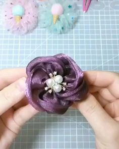 Outstanding diy flowers detail are available on our web pages. Take a look and you wont be sorry you did. Ribbon Art, Ribbon Crafts, Flower Crafts, Fabric Crafts, Sewing Crafts, Scrap Fabric, Flower Diy, Ribbon Flower, Diy Crafts